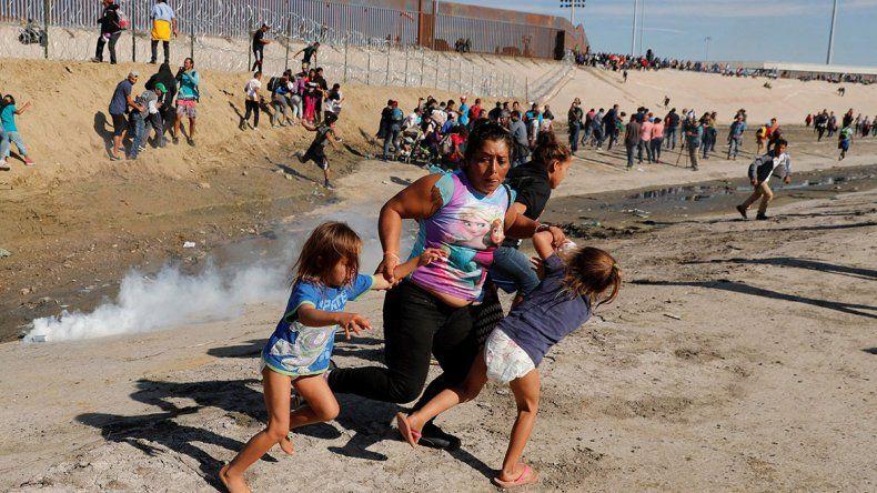 Trump defendió el uso de gases contra  la caravana migrante