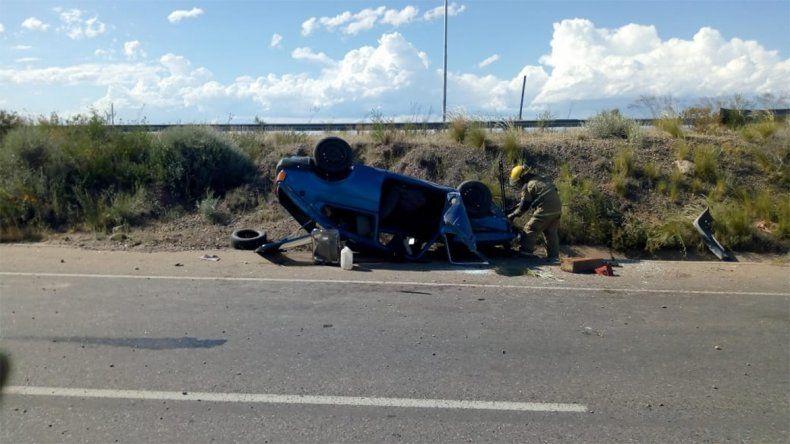 Un hombre herido fue el saldo de un tremendo vuelco sobre la Ruta 22