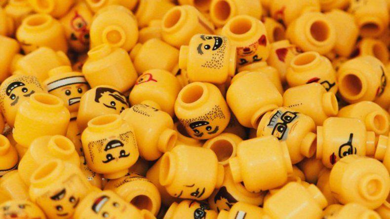 Qué pasa si tragás la cabeza de un Lego