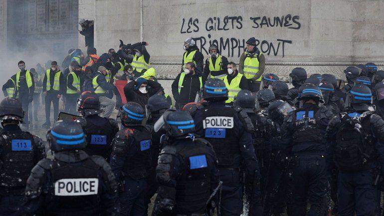 Las imágenes más impresionantes de las protestas en París