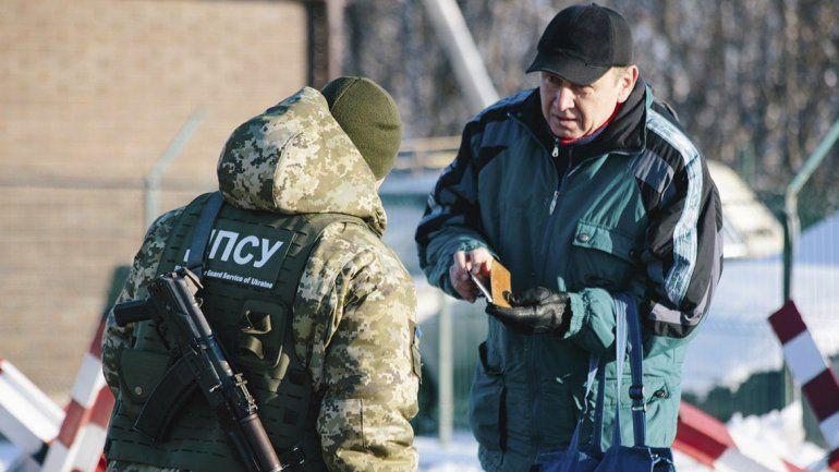 Ucrania no dejará entrar a rusos que tengan entre 16 y 60 años