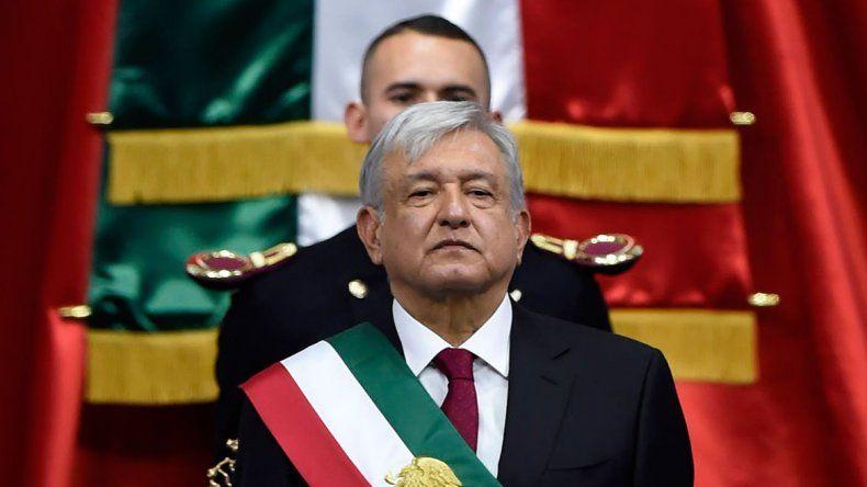 Andrés López Obrador se comprometió a no robar en su asunción
