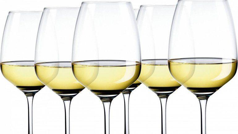 10 Chardonnay de hasta 300 pesos para beber este verano