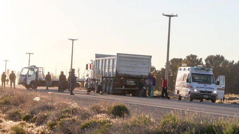 Zapala: motociclista falleció al impactar de frente con un camión que frenó de golpe