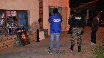 reconocido boxeador de zapala y una mujer, detenidos en operativo antinarco