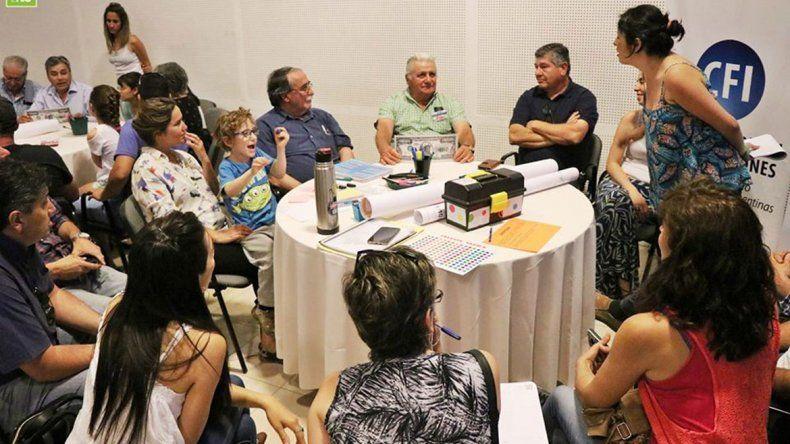 Centenario pidió opinión a vecinos por plan urbano