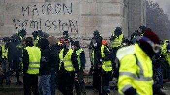 macron freno los aumentos pero las protestas seguiran