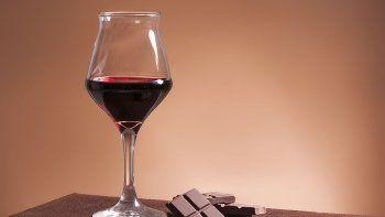el chocolate y el vino tinto ayudan a vivir mas anos