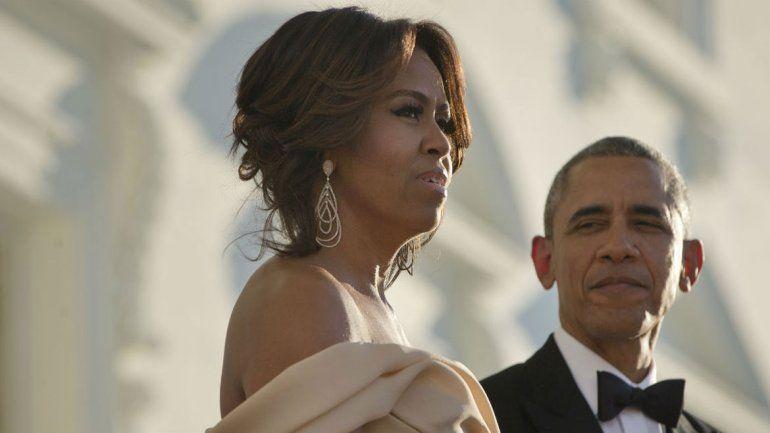 Michelle admitió que habría tirado del balcón a Obama