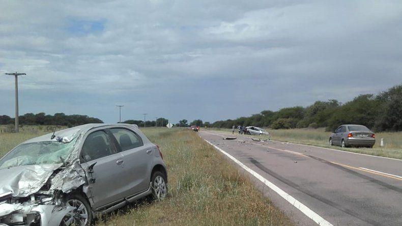 Una familia neuquina se salvó tras un violento choque en la Ruta 152