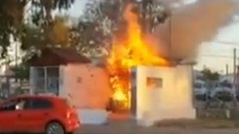 Voraz incendio destruyó el santuario de Ceferino