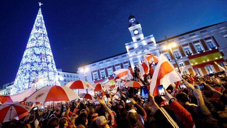 La Plaza del Sol se copó con el banderazo del Millo