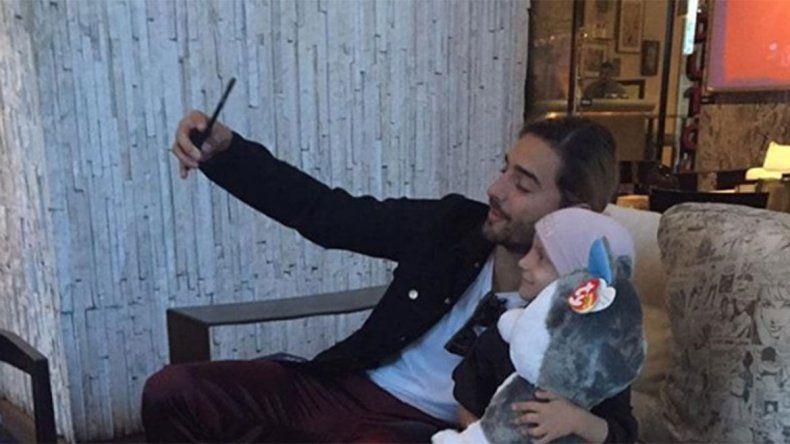 Maluma y su conmovedora visita a una nena argentina que padece cáncer