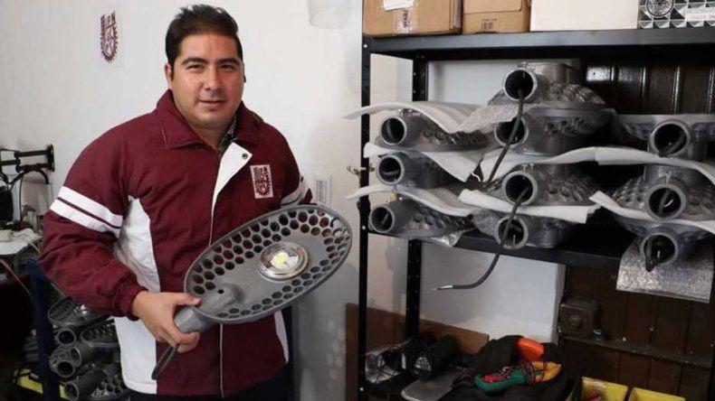 Mexicano creó luminarias que funcionan con el sol