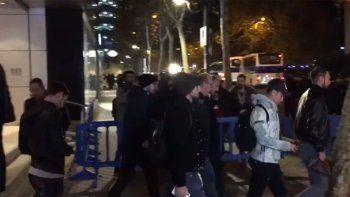 bochorno: rebotaron a dybala en el palco del estadio