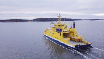 rolls-royce presento el primer ferry autonomo