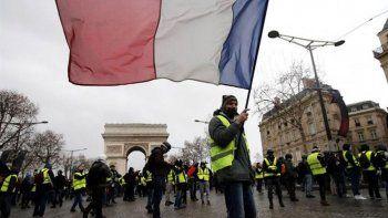 francia le paro el carro a trump por los chalecos amarillos