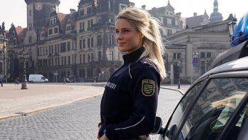 la policia mas bella de alemania ante una dificil decision