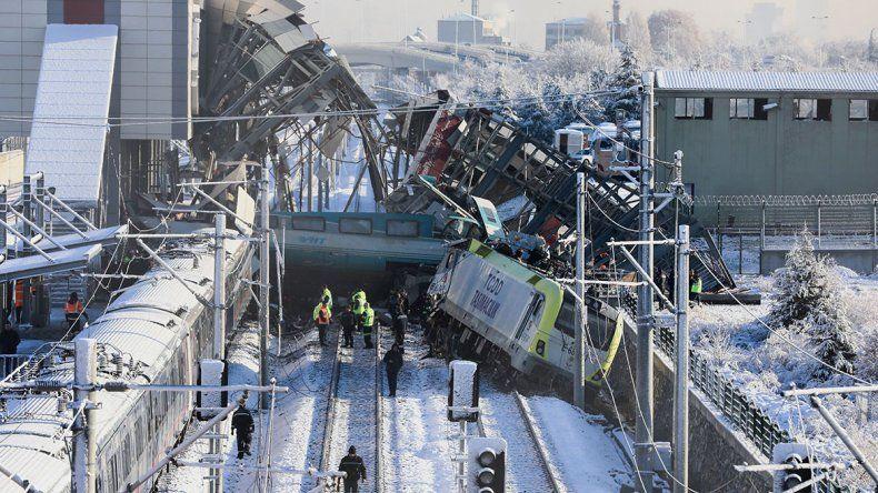 Turquía: un tren de alta velocidad causó una tragedia