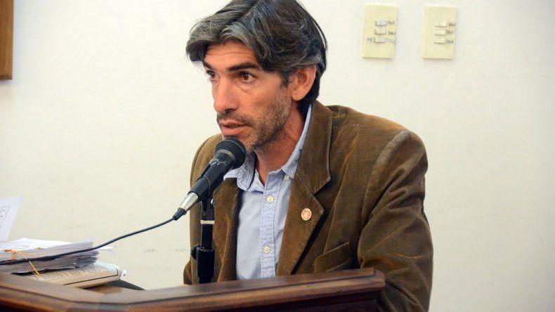 El fiscal Breide Obeid consideró inexplicable la prisión domiciliaria a los acusados de balear al taxista