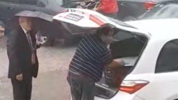 detuvieron cortejo funebre por ruidos en el ataud