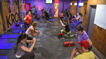 con promos, los gimnasios le hacen frente a la crisis