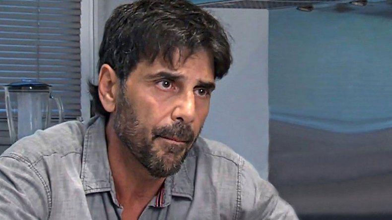Sin abogado, Juan Darthés analiza irse del país