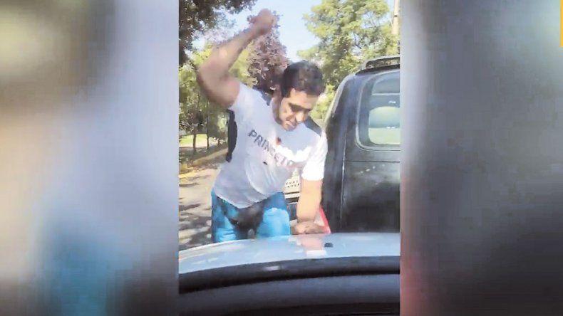 Un stripper argentino enloqueció tras un choque y fue detenido