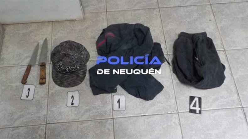 Delincuentes entraron a robar a una casa y apuñalaron a dos jóvenes en el pecho