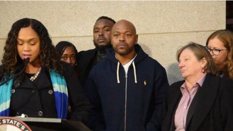 Pasó 27 años preso, pero era inocente y ahora lo liberaron