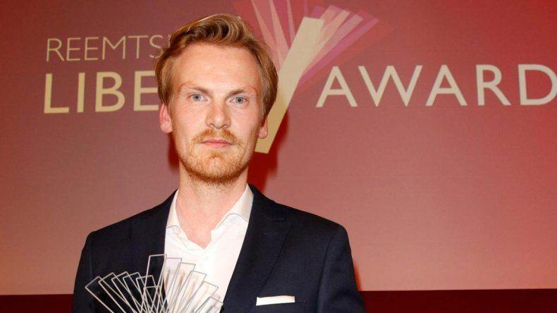 Periodista alemán devolvió premios por inventar historias