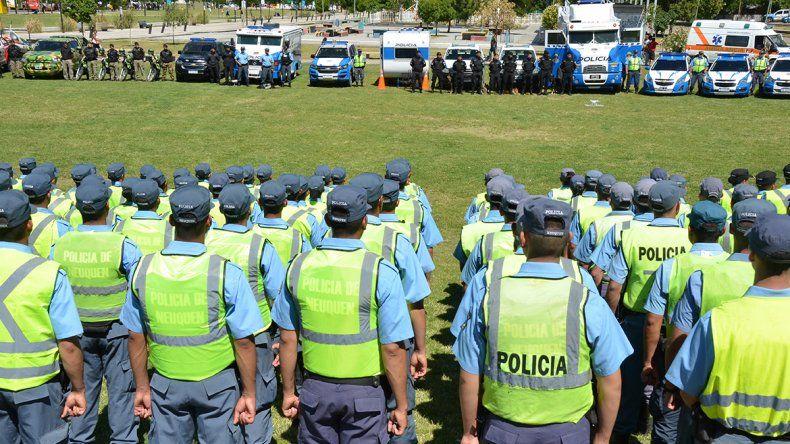 El acuerdo salarial hasta 2020 alcanza a los policías y a los jubilados
