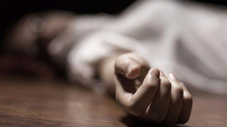Se suicidó mientras paría: el bebé también falleció