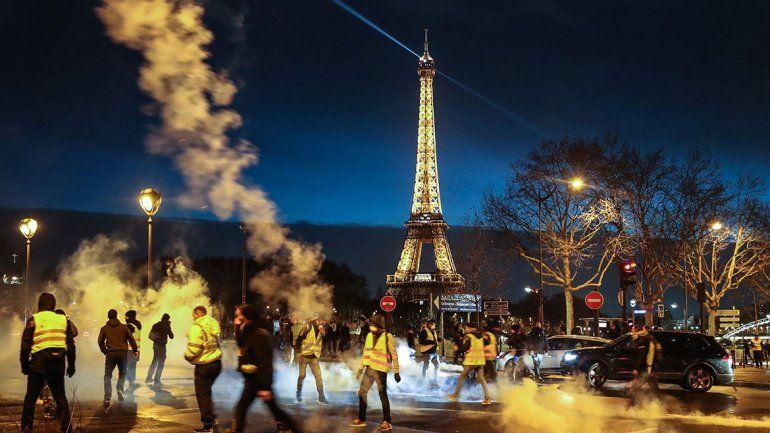 Nueva protesta de  los chalecos amarillos deja 65 detenidos