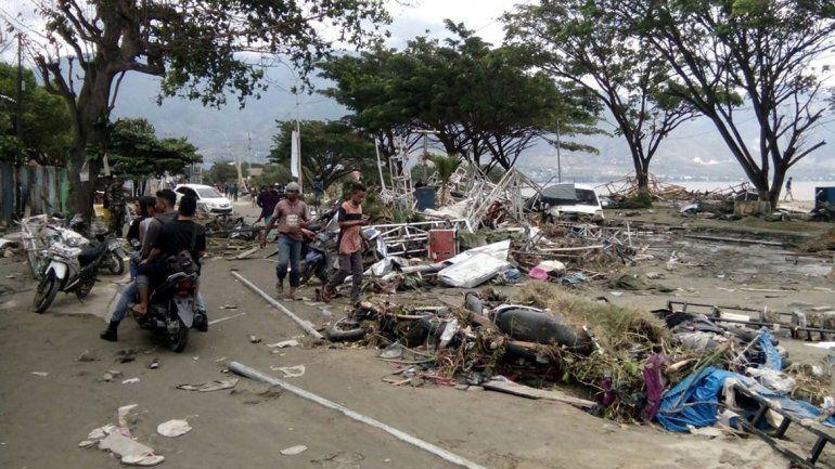 Un tsunami dejó 20 muertos y más de un centenar de heridos en Indonesia