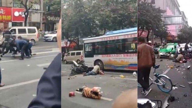 Secuestró un colectivo y mató a cinco personas en China