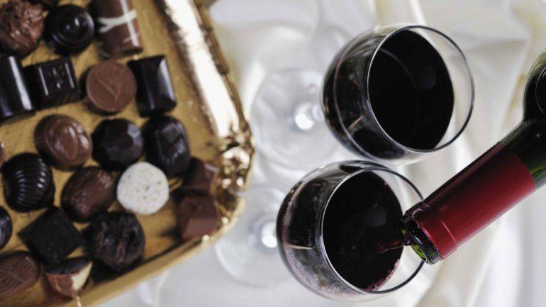 El vino tinto y el chocolate ayudan a vivir más tiempo