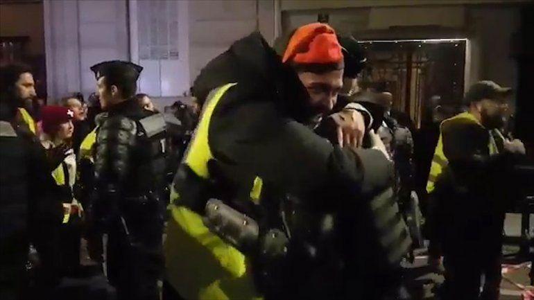 El Año Nuevo trajo unas horas de tregua en París