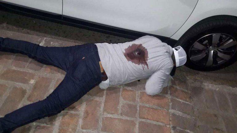Policía de civil mató a dos ladrones e hirió a otros dos
