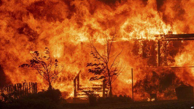 Se quemaron 460 barcos tras el incendio de una guardería náutica