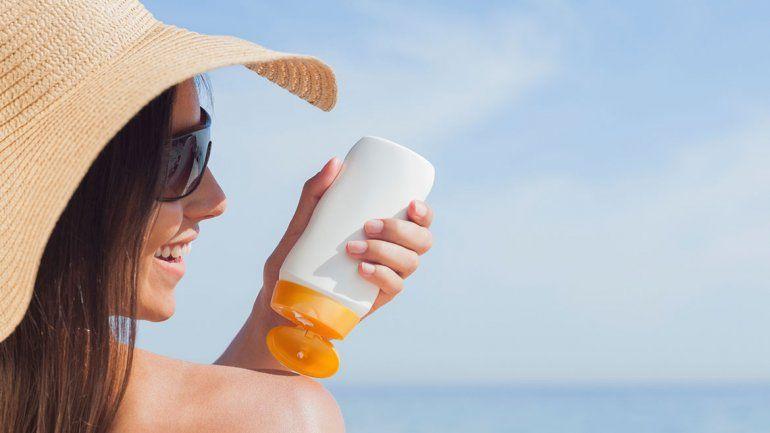 Cómo elegir el protector solar adecuado para este verano