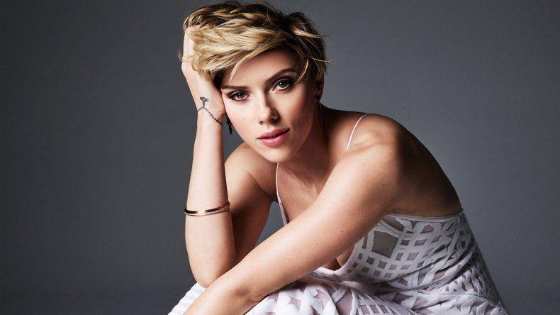 Scarlett Johansson se rindió ante los videos porno con su imagen