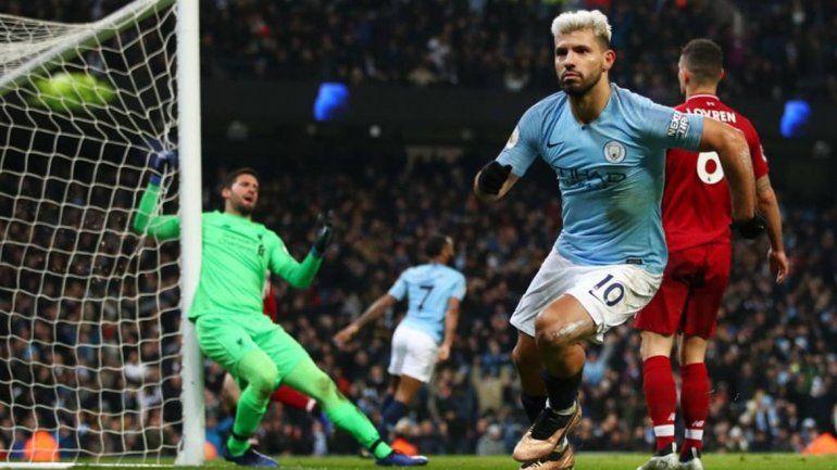 Con el gol del Kun, el Manchester City le ganó a Liverpool