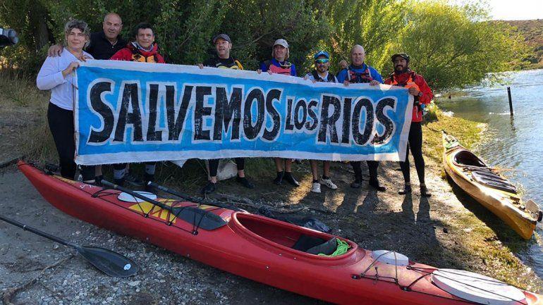 Comenzó la travesía de remo para salvar los río del Alto Valle