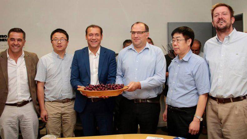 Gutiérrez destacó la importancia de la exportación de cerezas a China