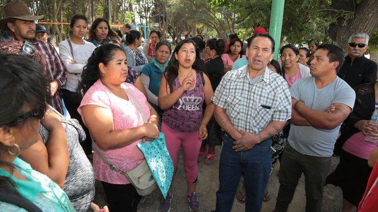 Feriantes dilatan la mudanza de la feria en Centenario