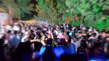clausuraron una fiesta clandestina en una chacra en plottier