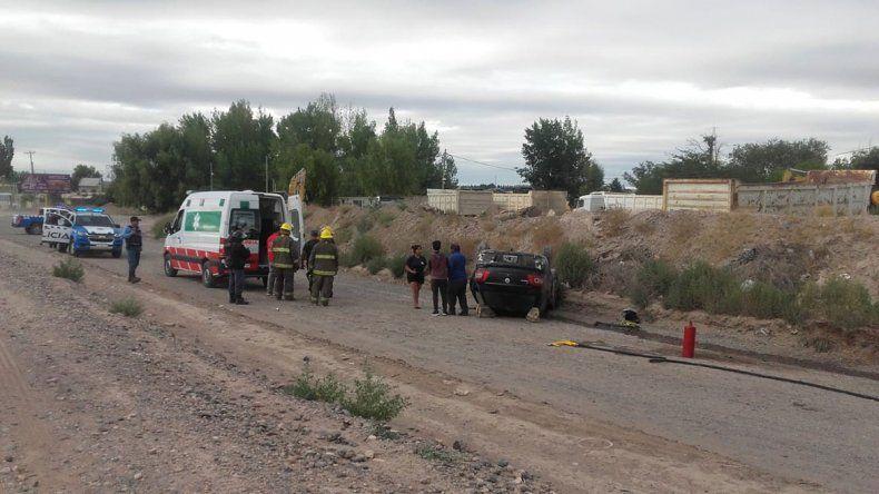 Una mujer resultó herida tras un vuelco en el Oeste