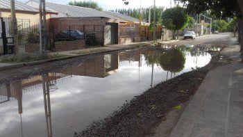 cano roto formo un lago hace 15 dias y no hay respuestas