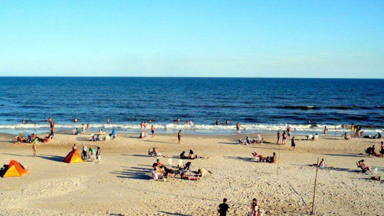 Murió un hombre en Uruguay por la bacteria de la playa